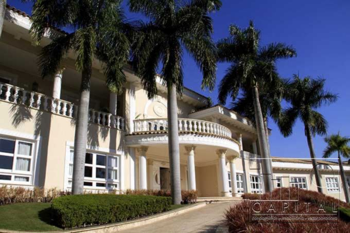 Imóvel: Capital Assessoria Imobiliaria - Casa 10 Dorm